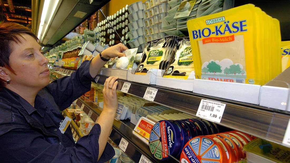 Nur Bioprodukte stehen in den Regalen im Basic-Bioladen in Köln