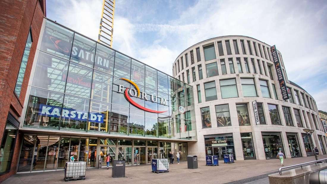 Das Einkaufszentrum FORUM auf der Königstrasse in der Innenstadt Duisburg