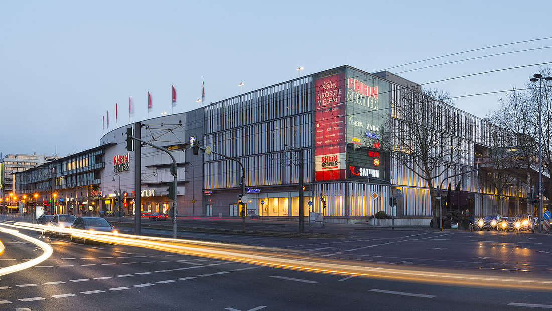 Das Gebäude des Rhein-Center in Köln-Weiden