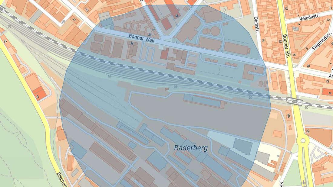 Nach dem Fund einer Fliegerbombe in Köln ist der von einer Evakuierung betroffene Bereich eingezeichnet.