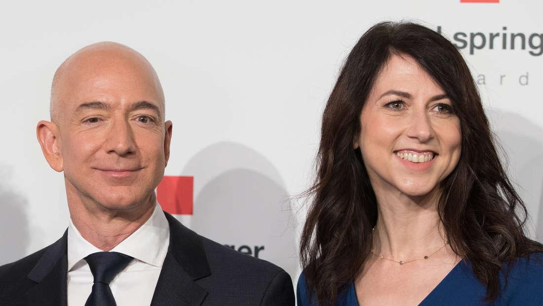 Jeff Bezos, Gründer von Amazon, und seine Ehefrau MacKenzie Bezos bei der Verleihung des Axel Springer Awards.