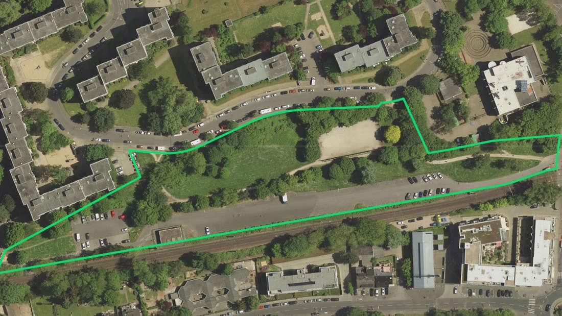 Eine Luftaufnahme von Porz auf der das Arenal eingezeichnet worden ist.