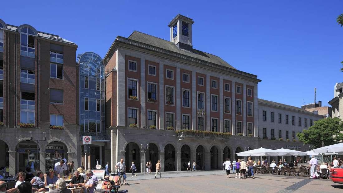 Rathaus am Markt in Neuss
