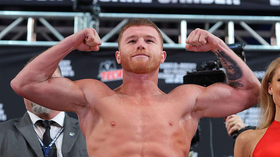 Der Boxer Canelo Alvarez posiert vor einem Kampf.