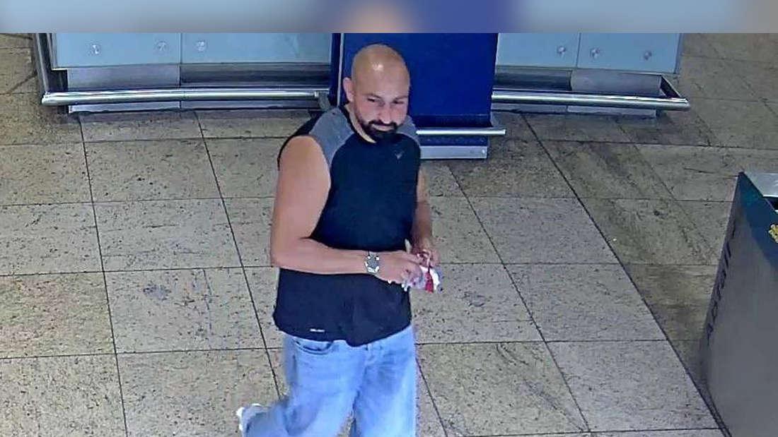 Überwachsungbilder vom Kölner Hauptbahnhof eines per Fandung gesuchten Mannes.