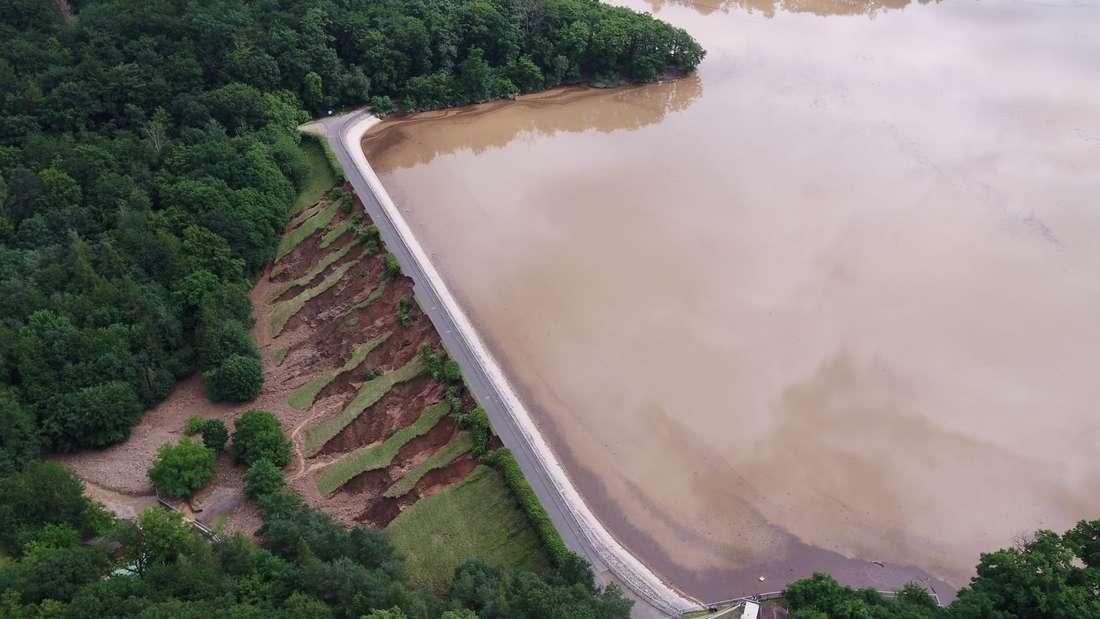 Luftaufnahme Drohnenaufnahme Damm der Steinbachtalsperre