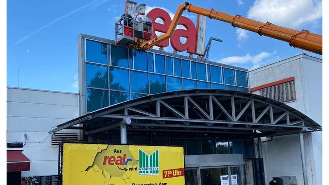 Der Ex-Real Markt in Teltow wird zu Marktkauf umgebaut.