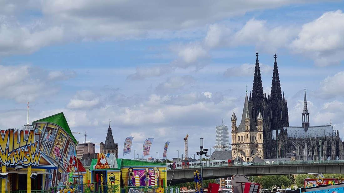 Die Happy Colonia mit Blick auf den Kölner Dom.