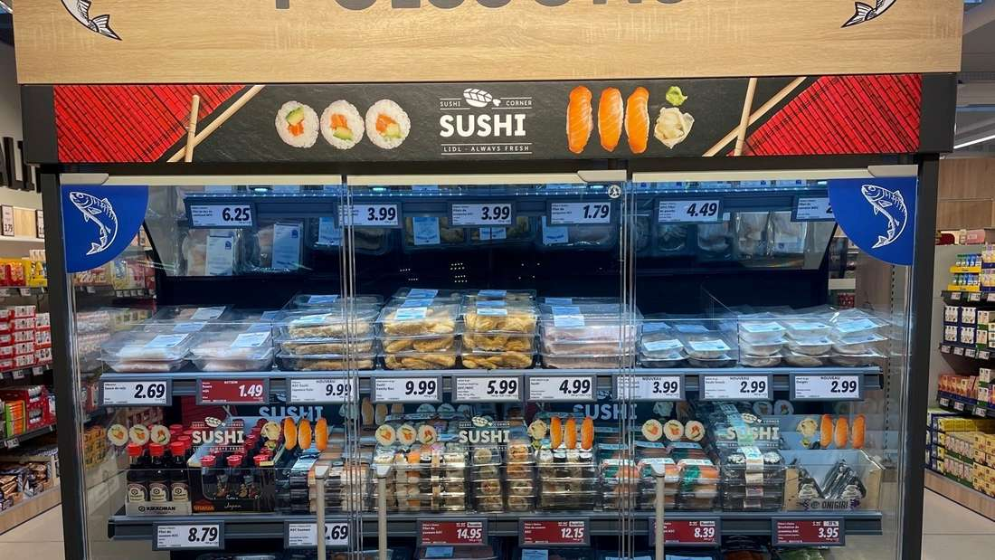 """Der Discounter Lidl testet in der Schweiz eine """"Sushi-Corner""""."""