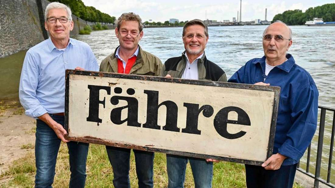 Jürgen Grunert, Max Dembour, Axel Lengert und Stefan Kaszian (v.l.n.r.) beleben die Fähre zwischen Niehl und Stammheim wieder.