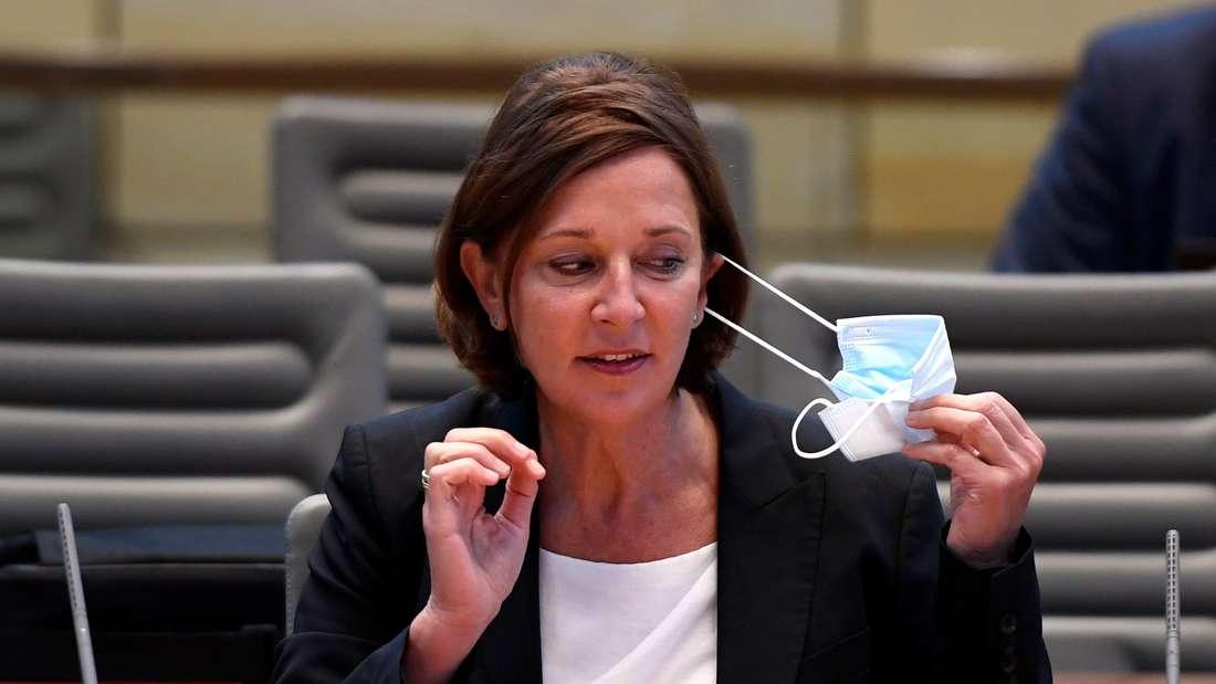Nordrhein-Westfalens Schulministerin Yvonne Gebauer (FDP)