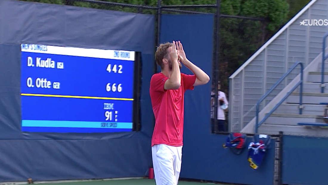 Der Kölner Tennisprofi Oscar Otte bejubelt seinen Zweitrunden-Sieg bei den US Open wie Anthony Modeste seine Tore für den 1. FC Köln.