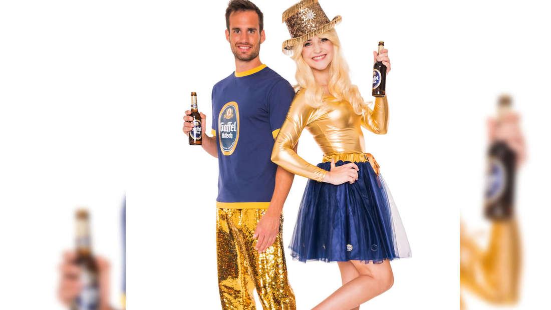 Ein Mann und eine Frau sind als Gaffel-Kölsch verkleidet.